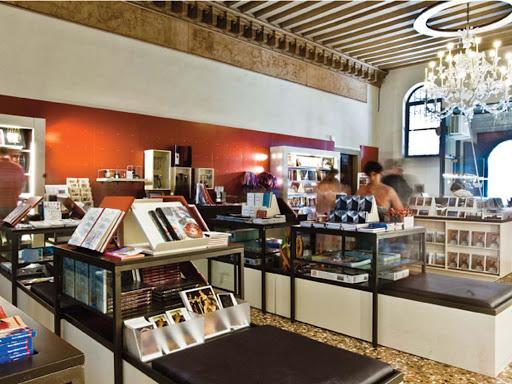 Fosforo bookshop